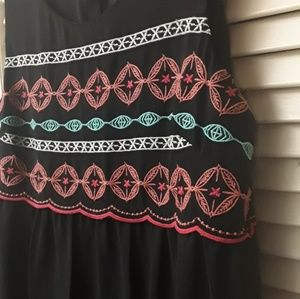 Love Reign Black Boho Embroidered Flowy Top NWT